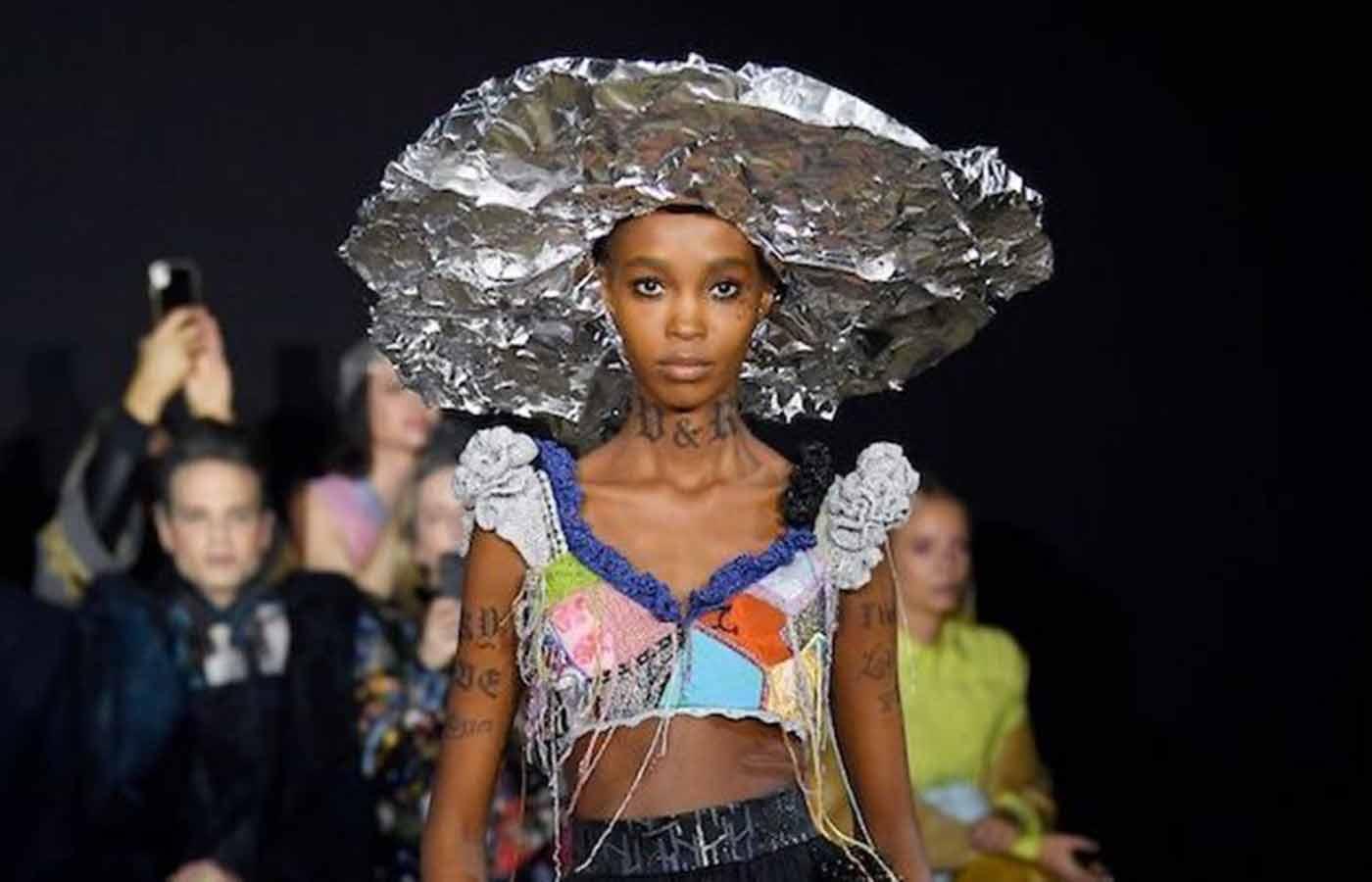 Looks divertidos en la semana de la moda