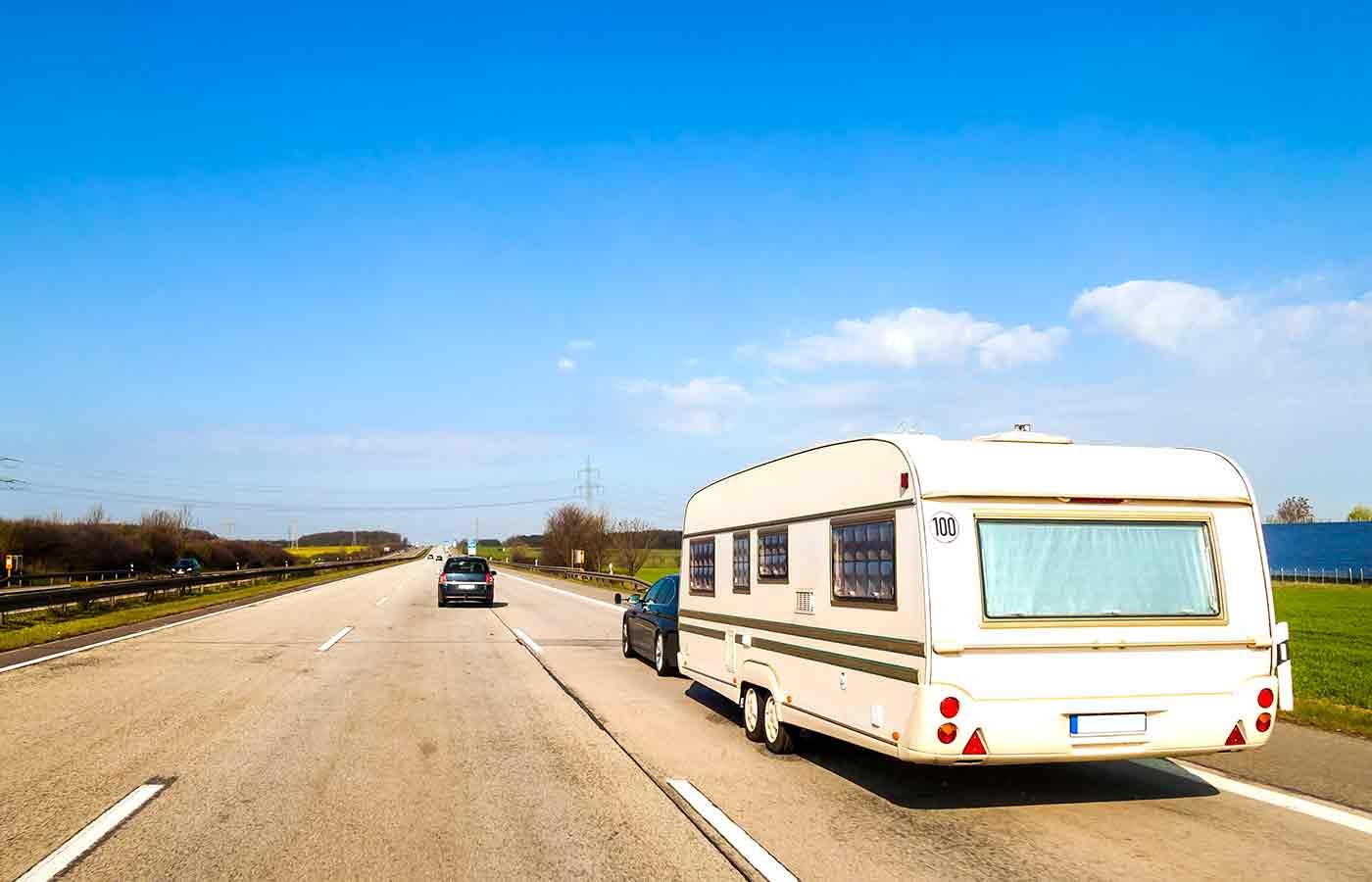 Normativa para viajar con caravana