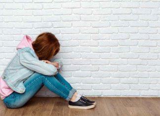 Niña sufriendo Acoso Escolar o Bullying