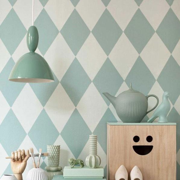 Pintar patrones en la pared para decorar el hogar