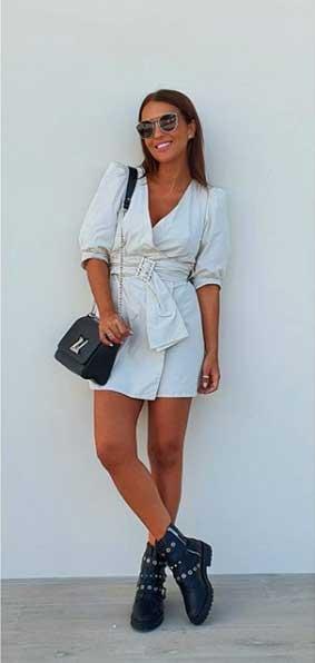 Paula Echevarria luciendo un vestido camisero