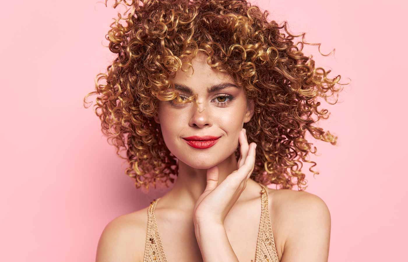Pelo saludable y sano tras realizar el método curly girl