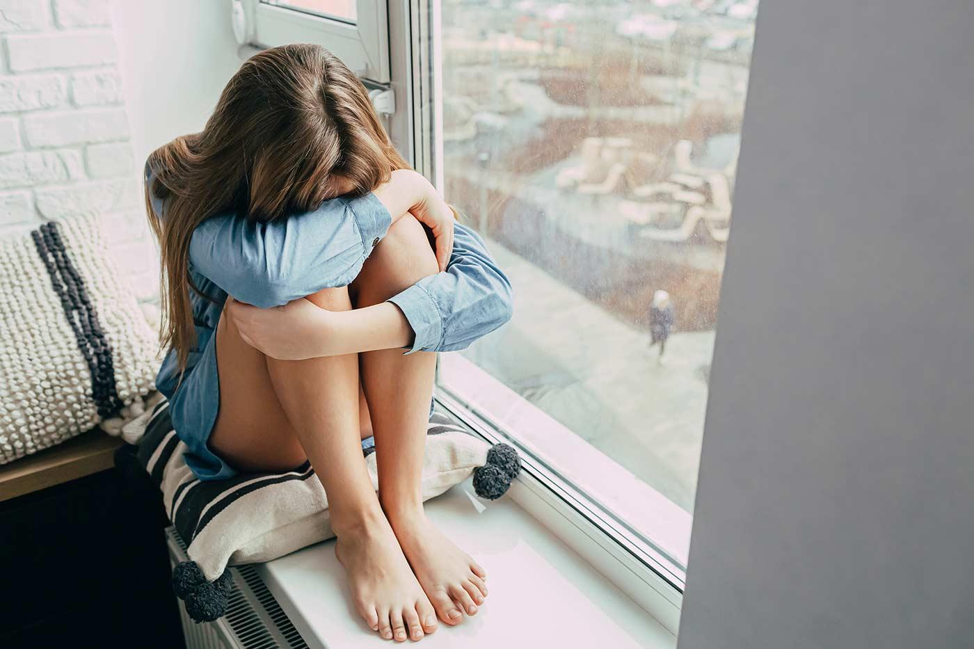Mujer triste tras una ruptura con su pareja